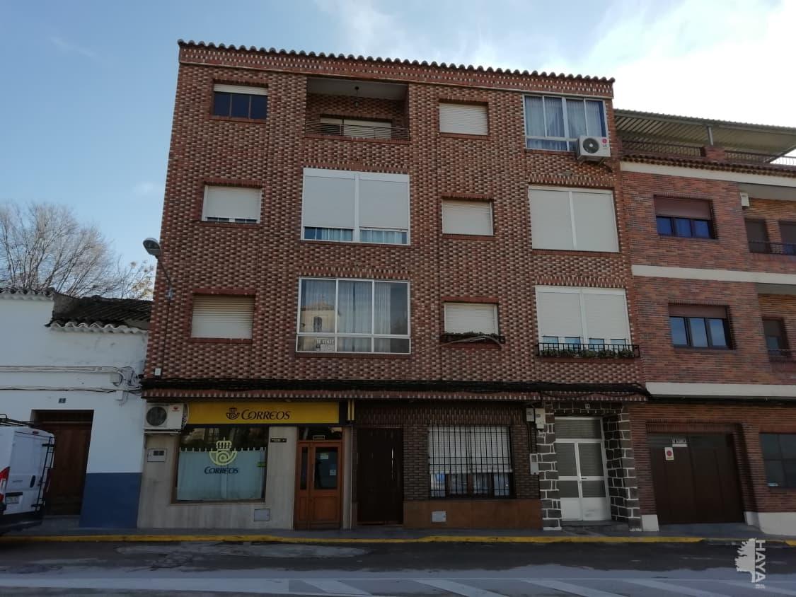 Piso en venta en Miguel Esteban, Miguel Esteban, Toledo, Plaza Generalisimo, 33.500 €, 3 habitaciones, 1 baño, 106 m2