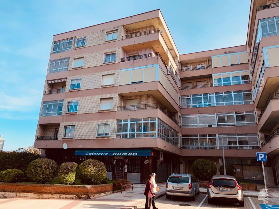 Piso en venta en Briviesca, Burgos, Calle Mayor, 32.000 €, 3 habitaciones, 1 baño, 88 m2