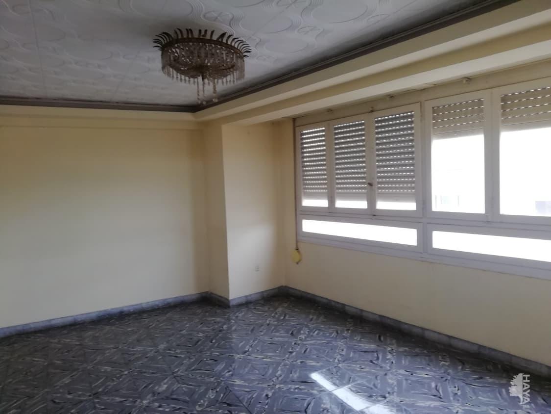 Piso en venta en Virgen de Gracia, Vila-real, Castellón, Calle Vilavella, 49.560 €, 4 habitaciones, 1 baño, 135 m2
