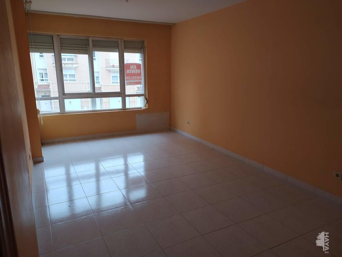 Piso en venta en Barrio Honduras, Benavente, Zamora, Avenida Luis Moran, 71.000 €, 3 habitaciones, 2 baños, 92 m2