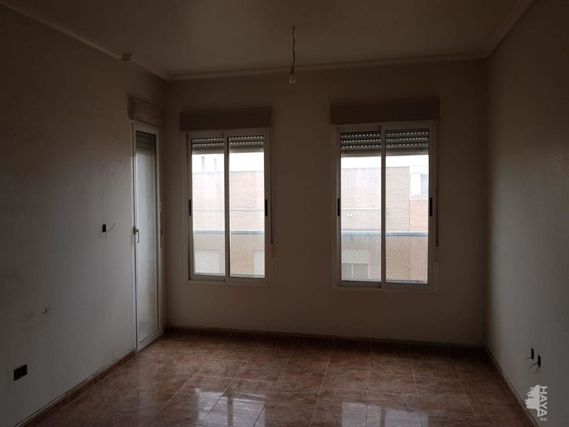 Piso en venta en Centro, Almoradí, Alicante, Plaza Juan Carlos I, 58.000 €, 3 habitaciones, 2 baños, 127 m2