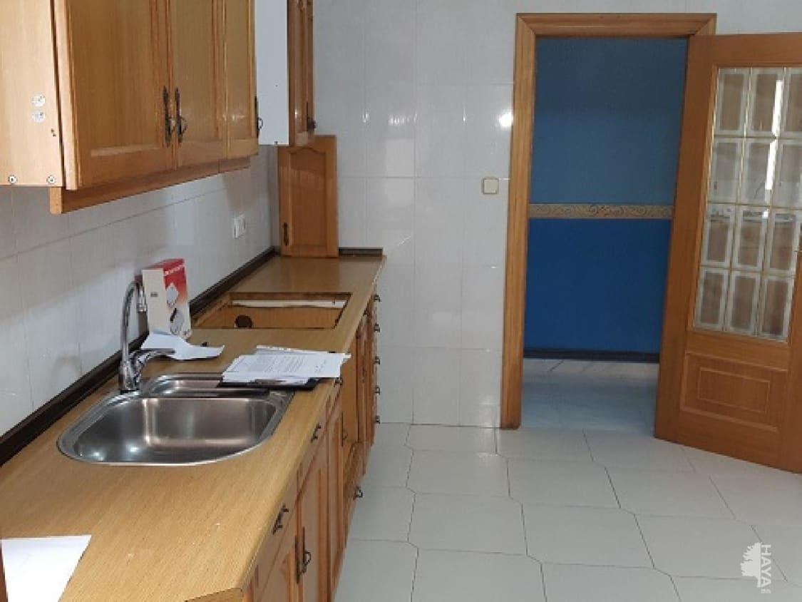 Piso en venta en Parque Sur, Albacete, Albacete, Calle Lepanto, 140.800 €, 4 habitaciones, 2 baños, 133 m2
