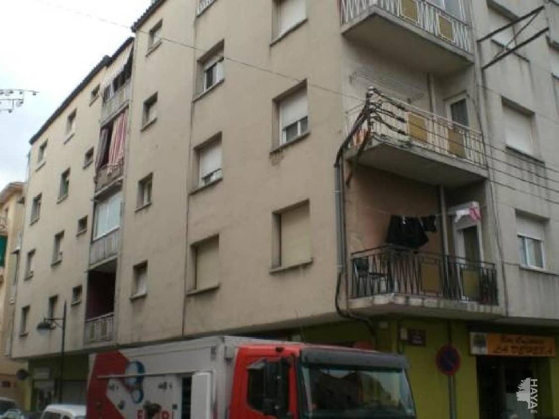 Piso en venta en La Barriada Nova, Canovelles, Barcelona, Calle Riera La, 64.000 €, 3 habitaciones, 1 baño, 77 m2