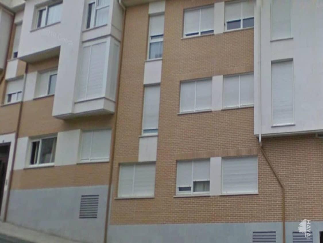 Piso en venta en Ramacastañas, Arenas de San Pedro, Ávila, Calle Sabina, 57.000 €, 2 habitaciones, 2 baños, 70 m2