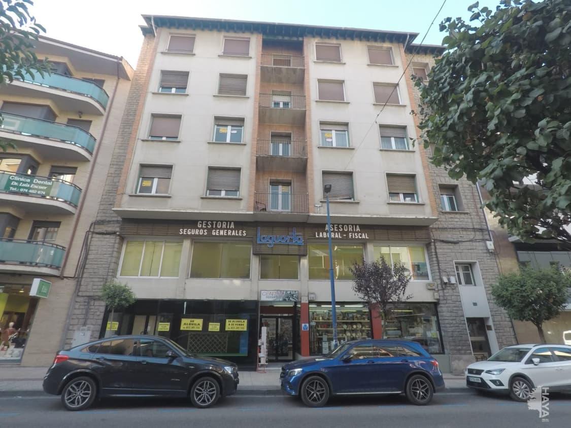 Piso en venta en Sabiñánigo, Huesca, Calle Serrablo, 55.000 €, 4 habitaciones, 1 baño, 108 m2