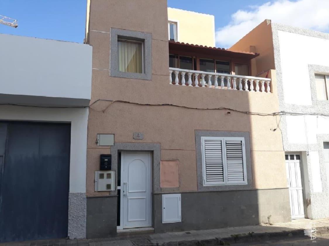 Piso en venta en Sardina, Santa Lucía de Tirajana, Las Palmas, Calle Valle Inclan, 69.000 €, 3 habitaciones, 1 baño, 85 m2