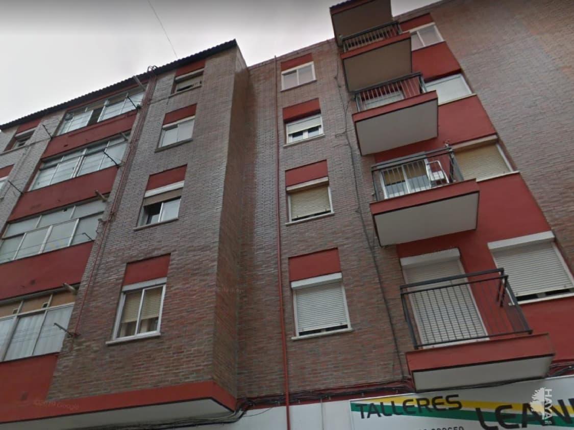 Piso en venta en Circular, Valladolid, Valladolid, Calle Murcia, 66.000 €, 2 habitaciones, 1 baño, 71 m2