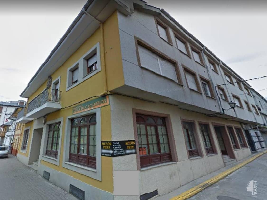 Piso en venta en Cacabelos, León, Calle Santa María, 75.400 €, 3 habitaciones, 1 baño, 100 m2