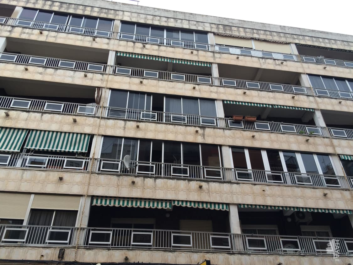 Piso en venta en Gandia, Valencia, Calle Ferrocarril Dalcoi, 63.000 €, 3 habitaciones, 2 baños, 100 m2