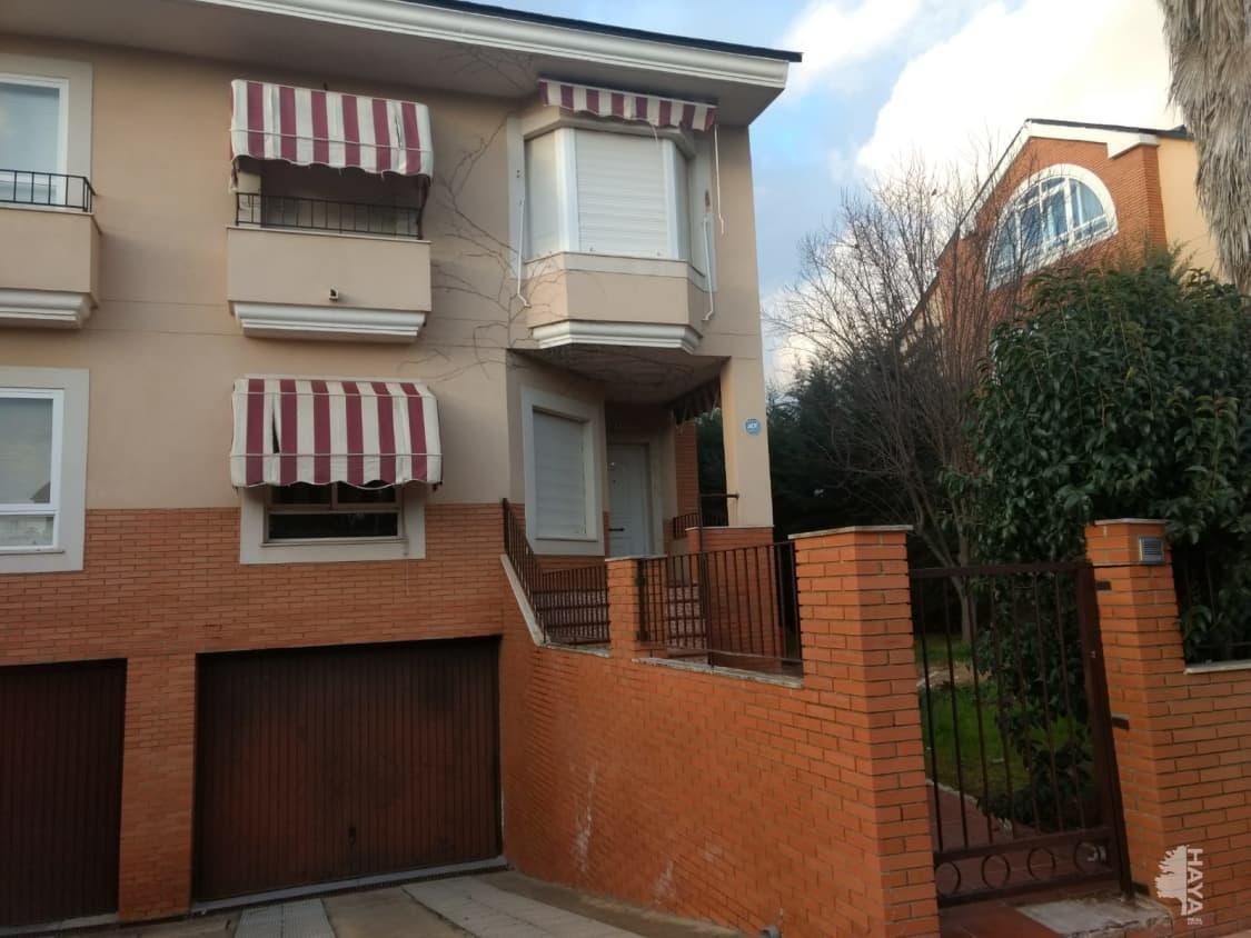 Casa en venta en Badajoz, Badajoz, Calle Sierra del Naranjal, 286.281 €, 5 habitaciones, 3 baños, 232 m2