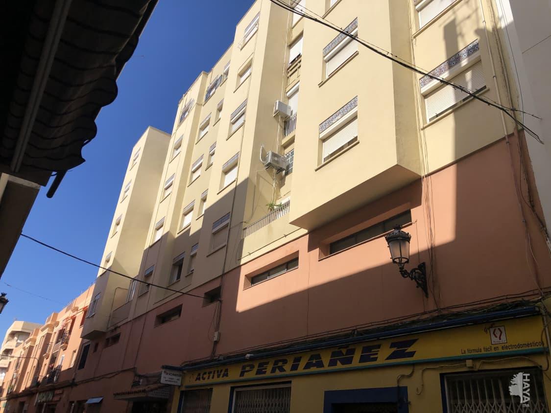 Piso en venta en La Línea de la Concepción, Cádiz, Calle Clavel (del), 58.200 €, 3 habitaciones, 1 baño, 87 m2