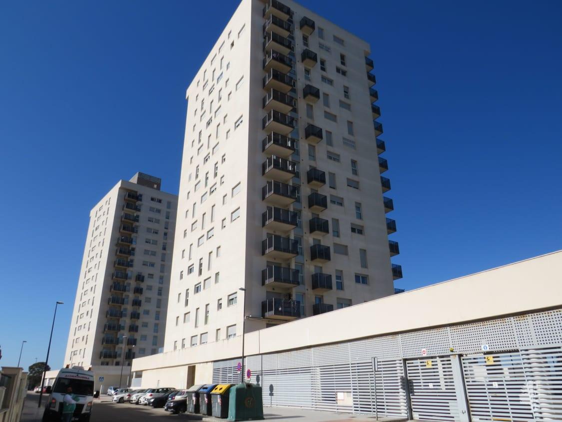 Piso en venta en San Fernando, Cádiz, Calle Ingeniero Vargas Machuca, 121.600 €, 2 habitaciones, 2 baños, 86 m2