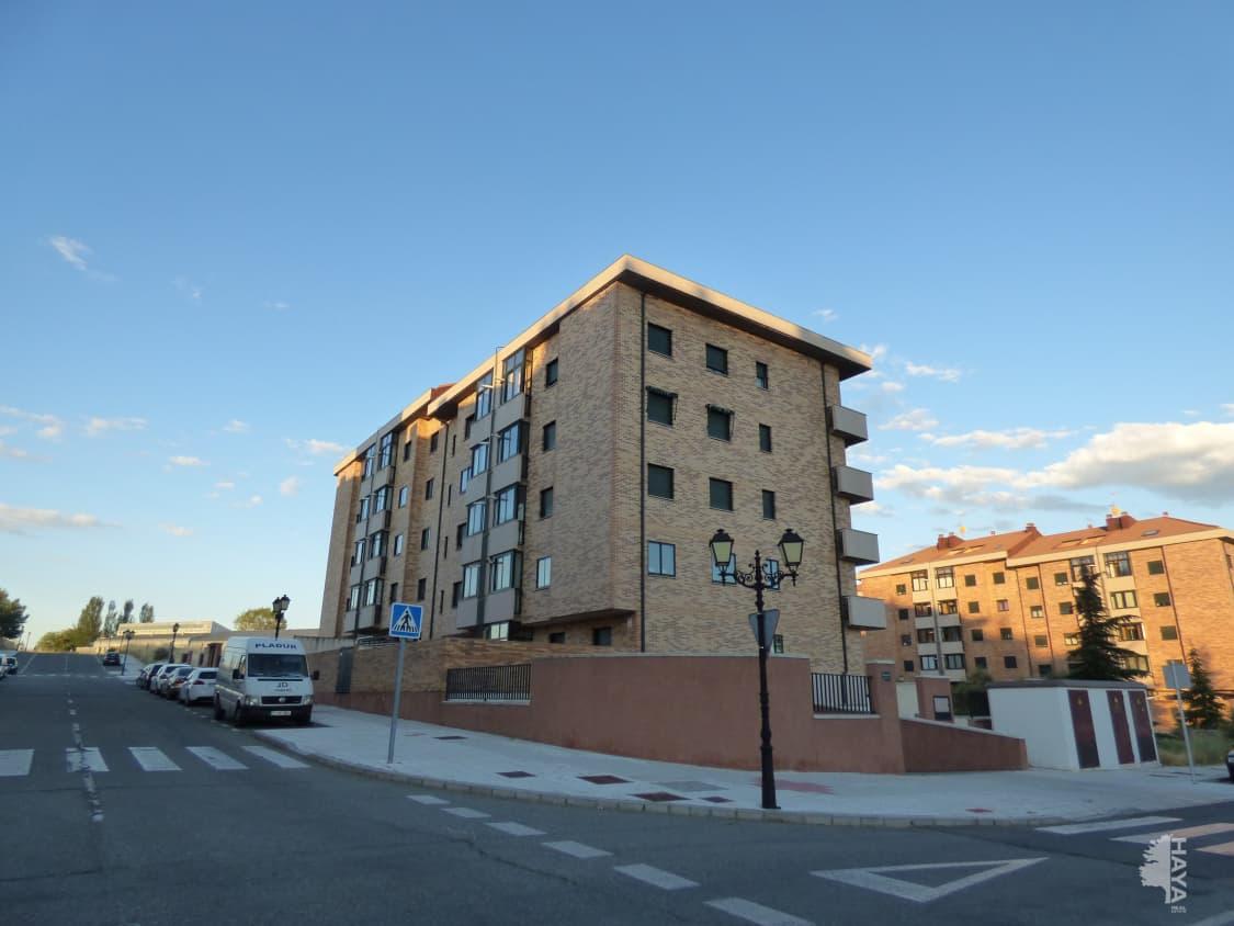 Piso en venta en Ávila, Ávila, Calle Ciudad de Caceres, 135.300 €, 3 habitaciones, 2 baños, 156 m2