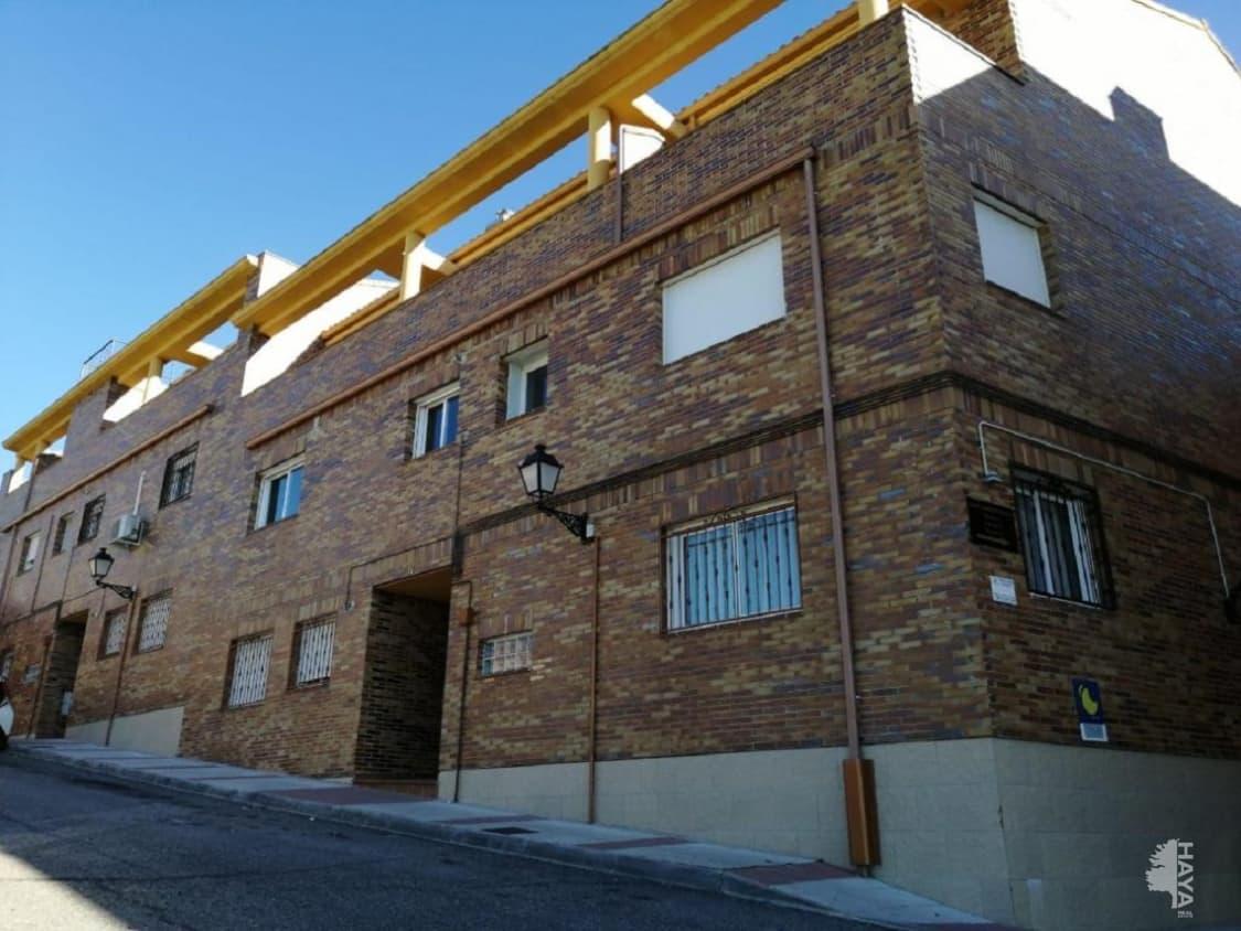 Piso en venta en Urbanización los Parrales, Recas, Toledo, Travesía Oliva, 37.900 €, 1 habitación, 2 baños, 97 m2
