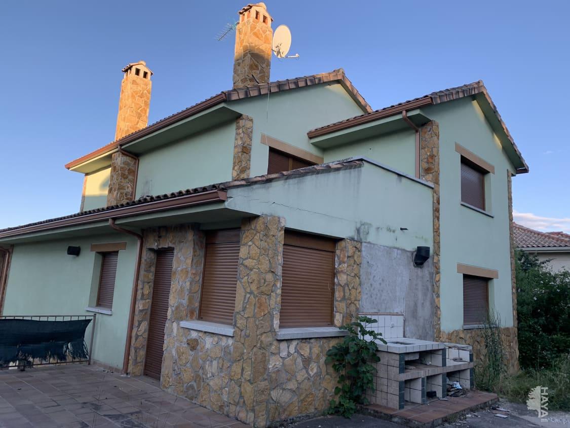 Casa en venta en Guadalix de la Sierra, Madrid, Calle Manolete, 232.000 €, 5 habitaciones, 3 baños, 229 m2