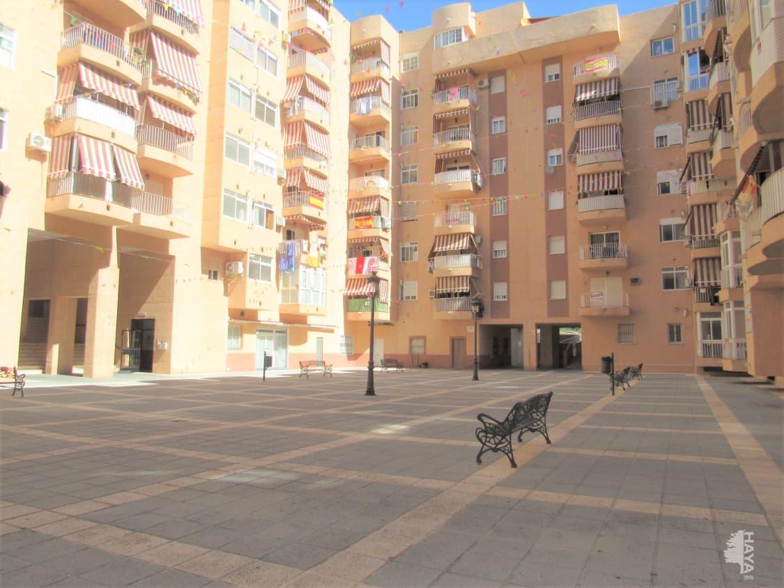 Piso en venta en Barriada Islas Canarias, Estepona, Málaga, Calle Cuartel, 124.700 €, 2 habitaciones, 1 baño, 87 m2