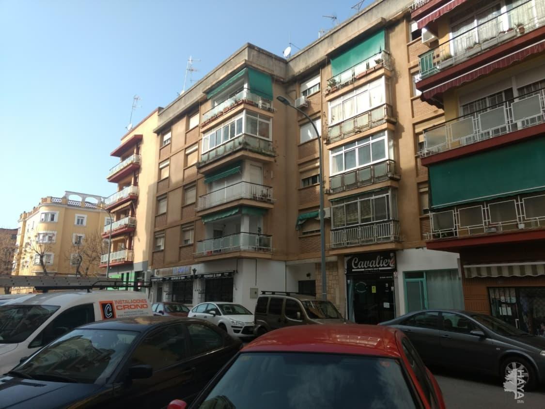 Piso en venta en San Fernando, Badajoz, Badajoz, Calle Portalegre, 107.500 €, 4 habitaciones, 2 baños, 125 m2
