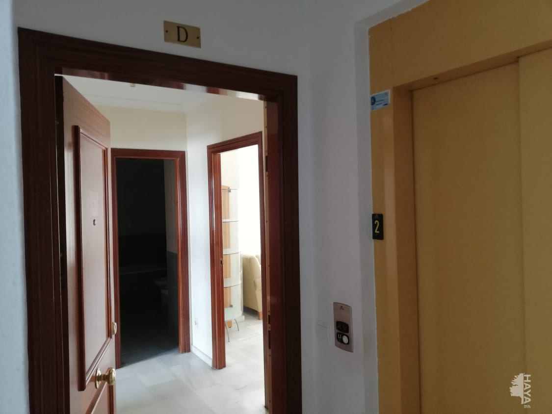 Piso en venta en Barriada Islas Canarias, Estepona, Málaga, Calle Arrabal Cuartel Ii, 120.000 €, 2 habitaciones, 1 baño