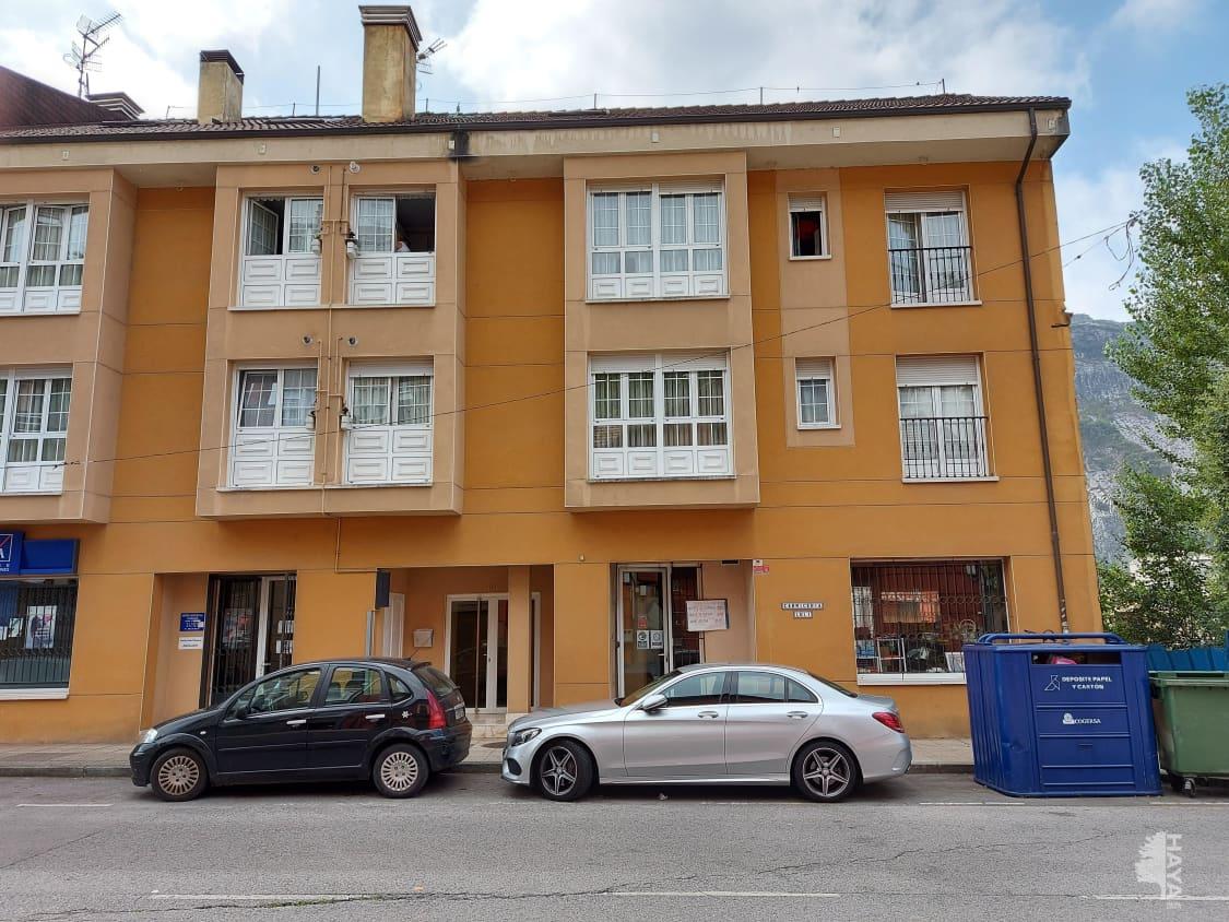 Piso en venta en El Valle (box), Oviedo, Asturias, Calle Paulino Garcia, 37.200 €, 1 habitación, 1 baño, 55 m2