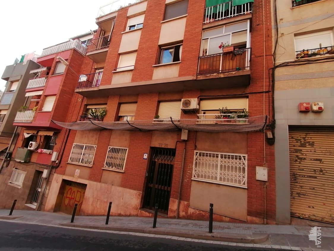 Piso en venta en Santa Coloma de Gramenet, Barcelona, Calle Pirineus, 60.600 €, 1 baño, 52 m2