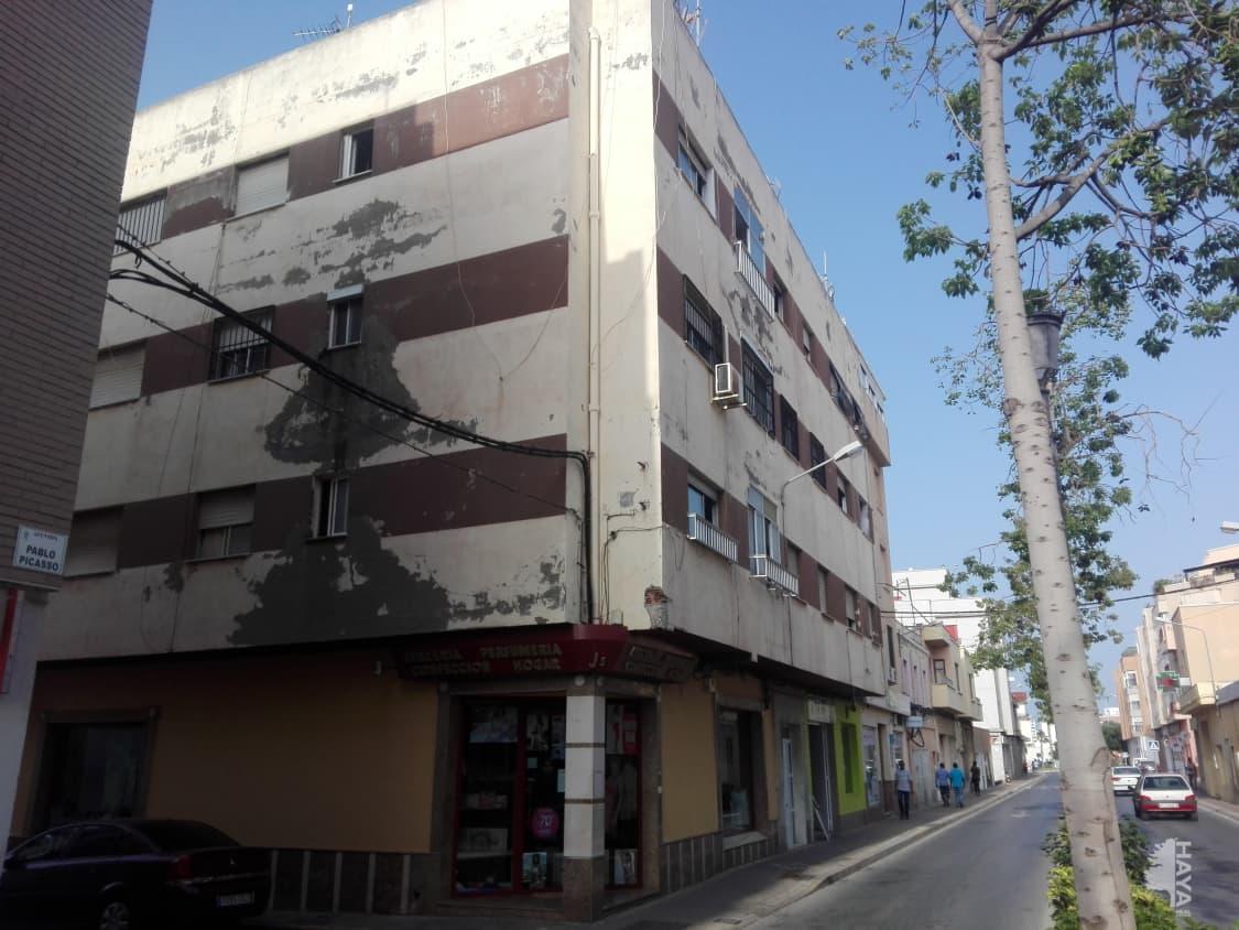 Piso en venta en Los Depósitos, Roquetas de Mar, Almería, Avenida Pablo Picasso(r), 44.500 €, 3 habitaciones, 1 baño, 98 m2