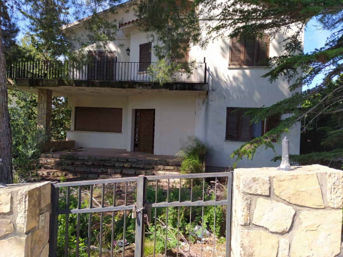 Casa en venta en La Creu de L`aragall, Corbera de Llobregat, Barcelona, Calle Tossa D`alp (c. Aragall), 406.700 €, 4 habitaciones, 1 baño, 307 m2