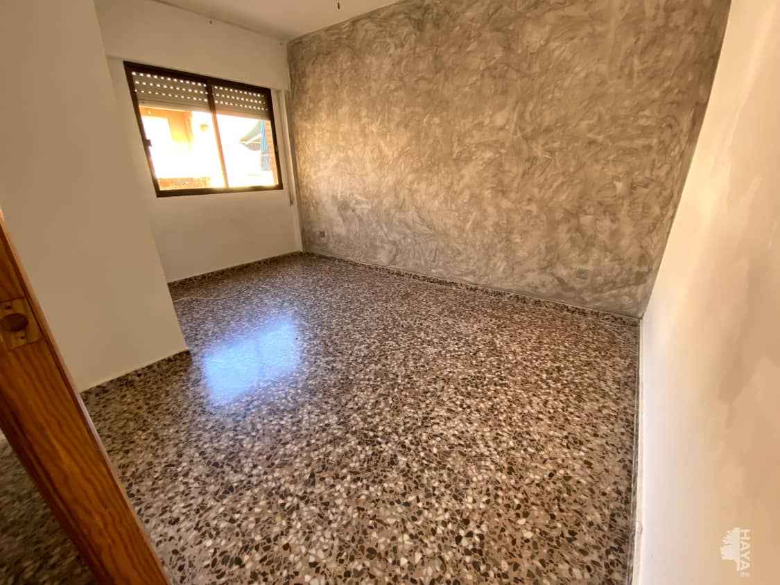 Piso en venta en Cartagena, Murcia, Calle Floridablanca (barrio de Peral), 131.000 €, 4 habitaciones, 1 baño, 126 m2