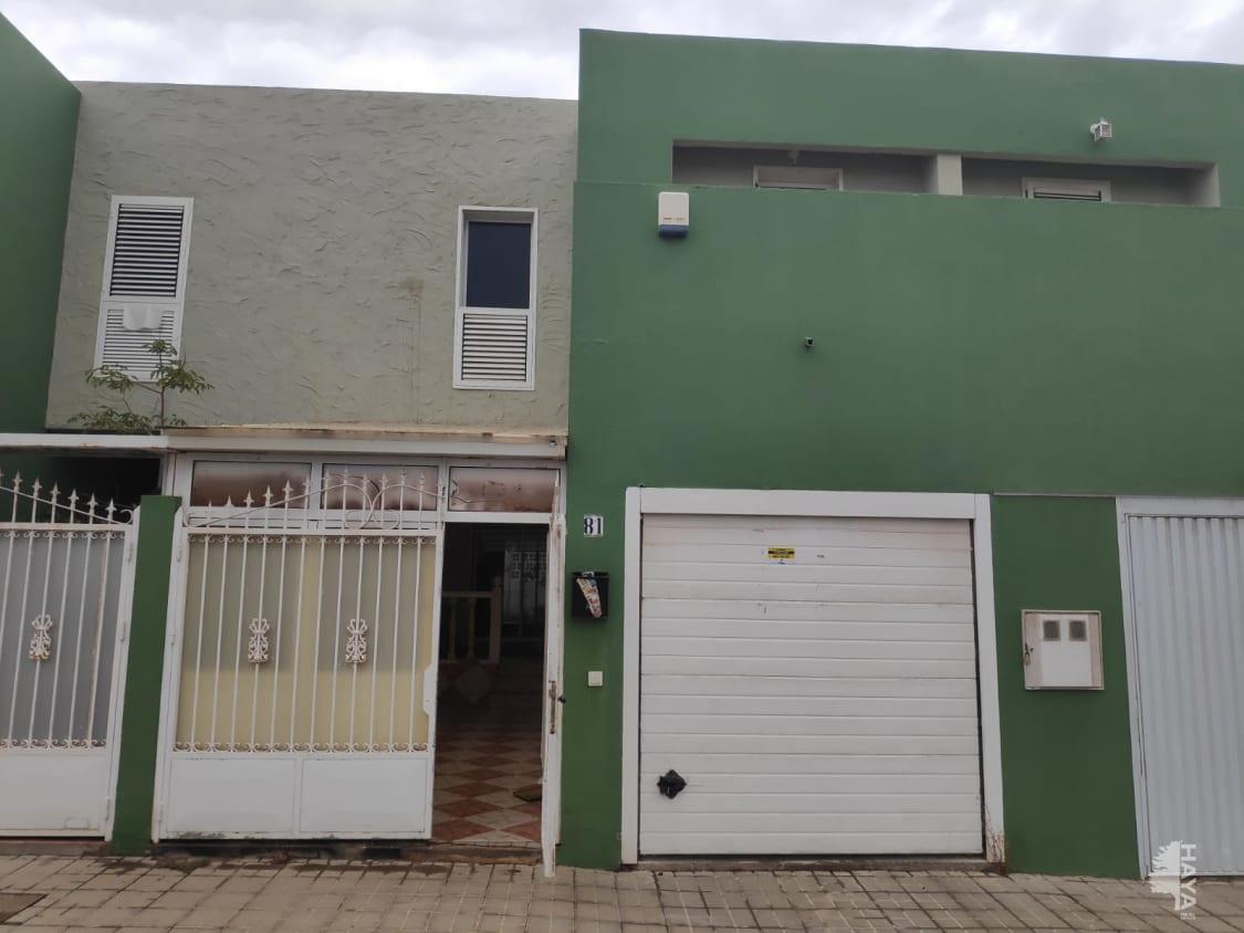 Casa en venta en Vecindario, Santa Lucía de Tirajana, Las Palmas, Calle Taganana, 163.300 €, 3 habitaciones, 2 baños, 136 m2