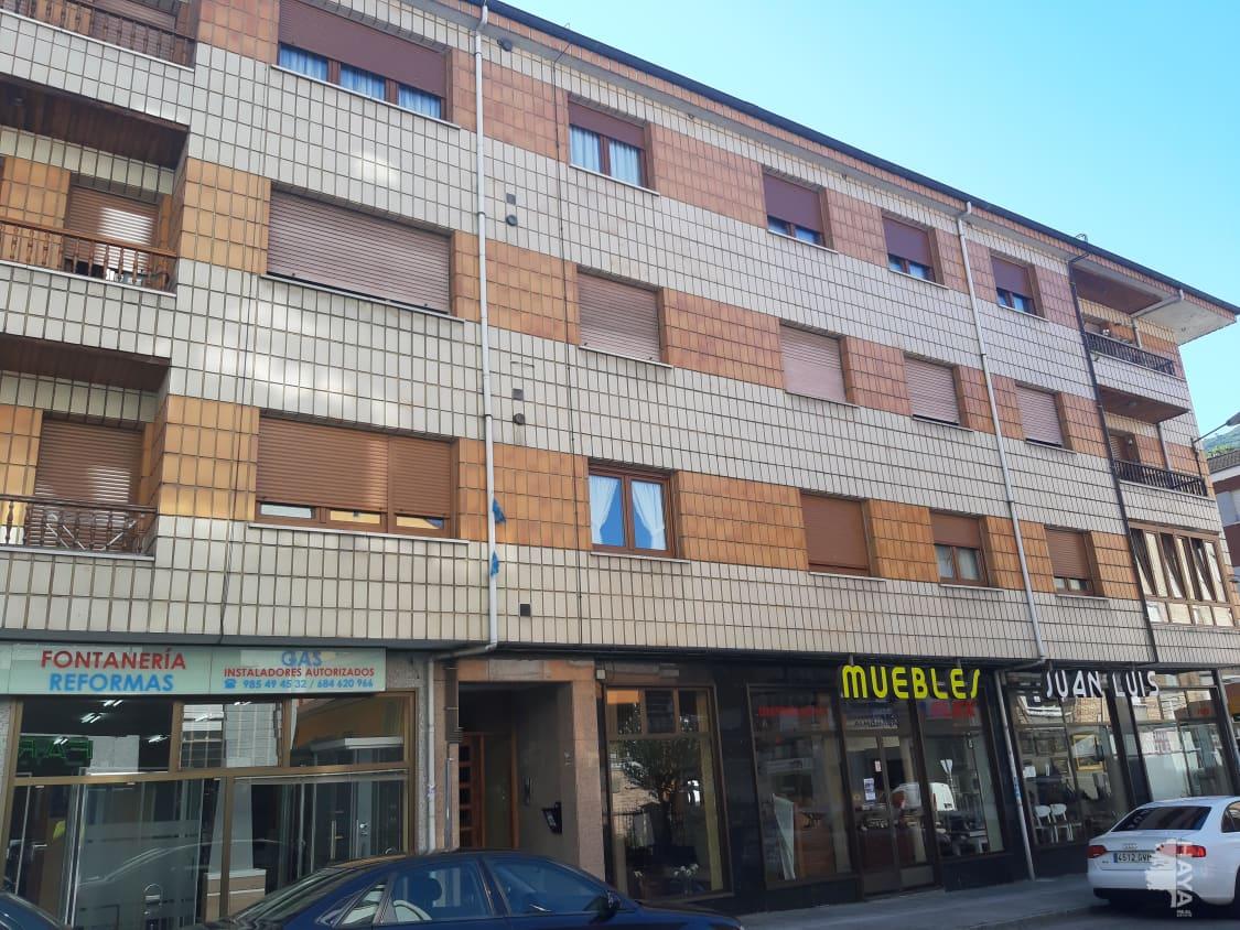 Piso en venta en Aller, Asturias, Avenida Francisco Cabrera, 66.800 €, 3 habitaciones, 2 baños, 113 m2