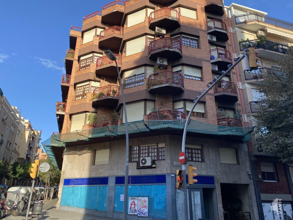 Local en venta en Barcelona, Barcelona, Avenida Mare de Deu de Montserrat, 304.500 €, 250 m2
