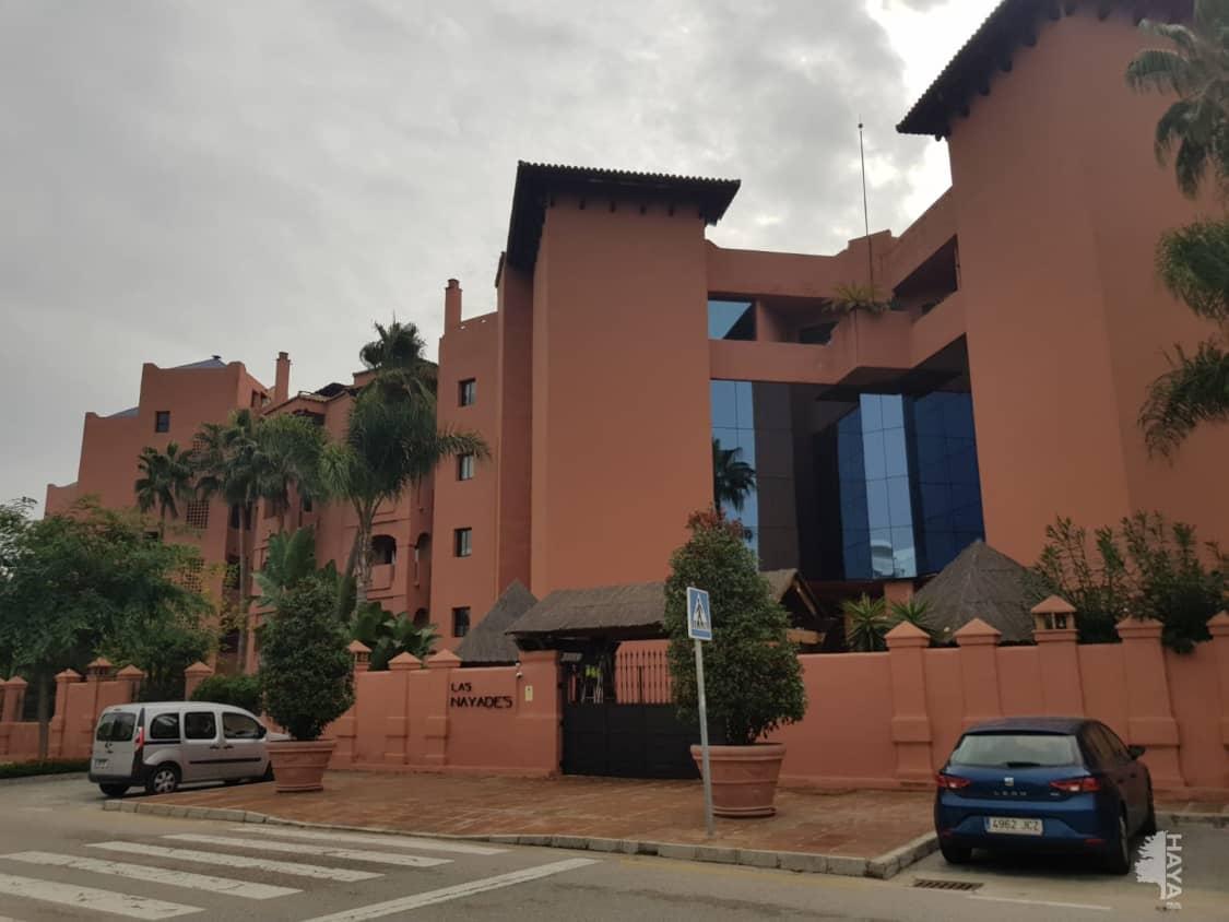 Piso en venta en Barriada Islas Canarias, Estepona, Málaga, Calle la Nayades, 472.453 €, 1 baño, 262 m2