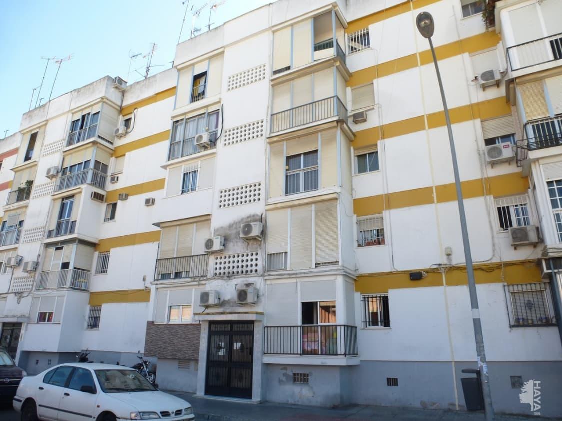 Piso en venta en Distrito Macarena, Sevilla, Sevilla, Calle Villegas, 57.600 €, 3 habitaciones, 1 baño, 52 m2