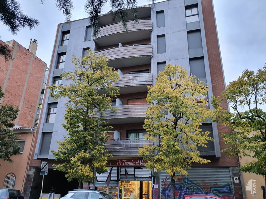 Piso en venta en Salt, Girona, Pasaje Paisos Catalans, 130.000 €, 3 habitaciones, 2 baños, 109 m2