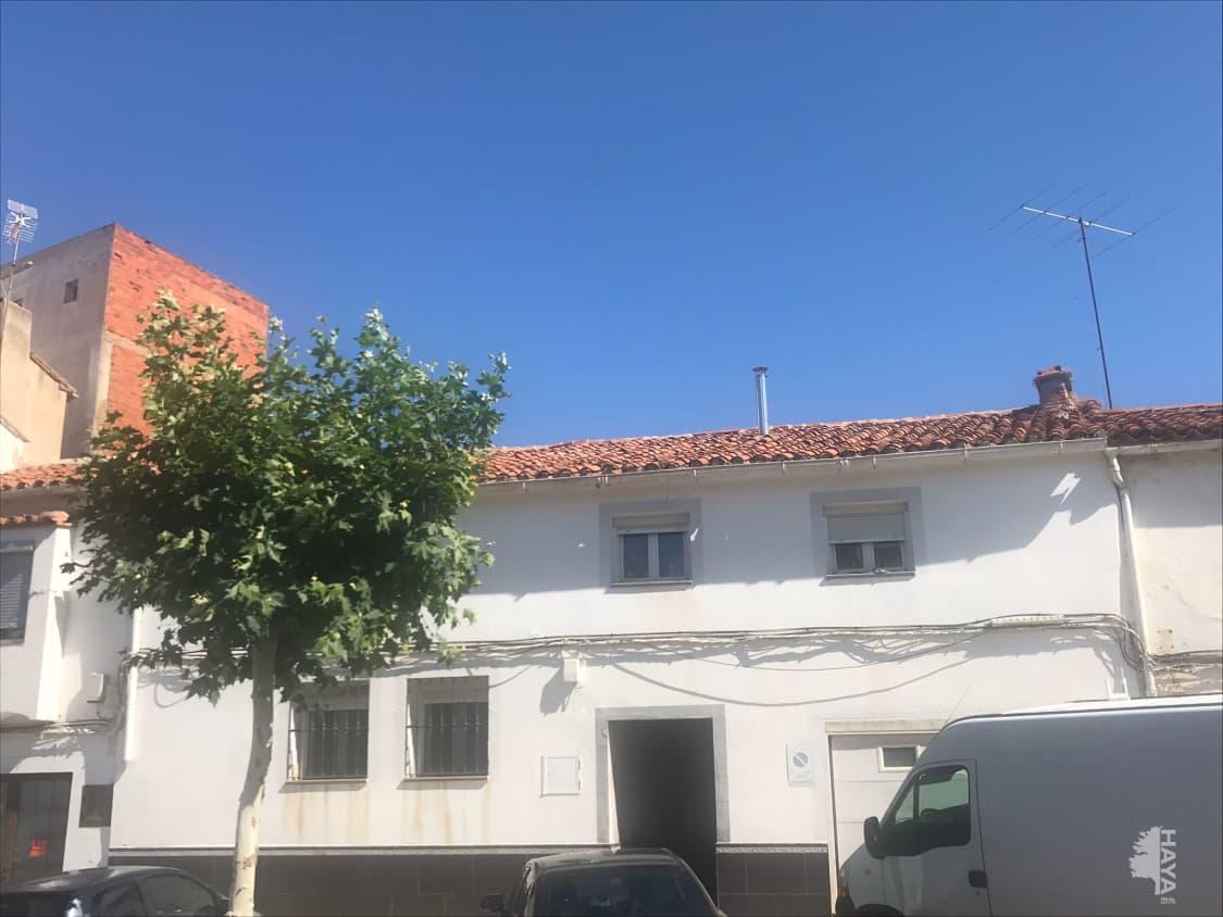 Casa en venta en Almadén, Ciudad Real, Avenida Libertad, 99.108 €, 3 habitaciones, 1 baño, 300 m2