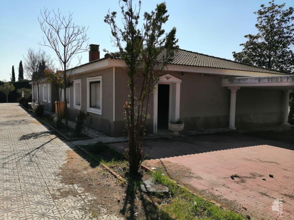 Casa en venta en Boadilla del Monte, Madrid, Calle Valle del Moro, 850.000 €, 6 habitaciones, 3 baños, 897 m2