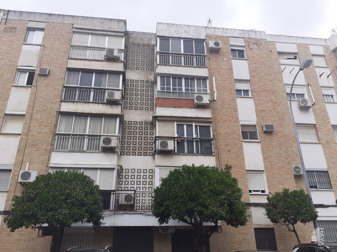 Piso en venta en La Moneda, Dos Hermanas, Sevilla, Calle Martinez Montañes, 56.700 €, 2 habitaciones, 1 baño, 66 m2