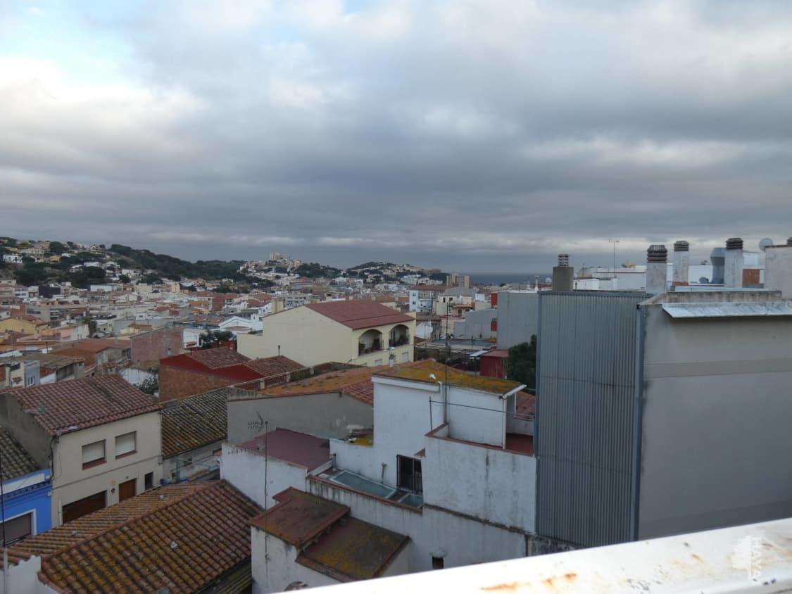 Piso en venta en Sant Feliu de Guíxols, Girona, Calle Miquel Suris, 130.000 €, 3 habitaciones, 1 baño, 104 m2