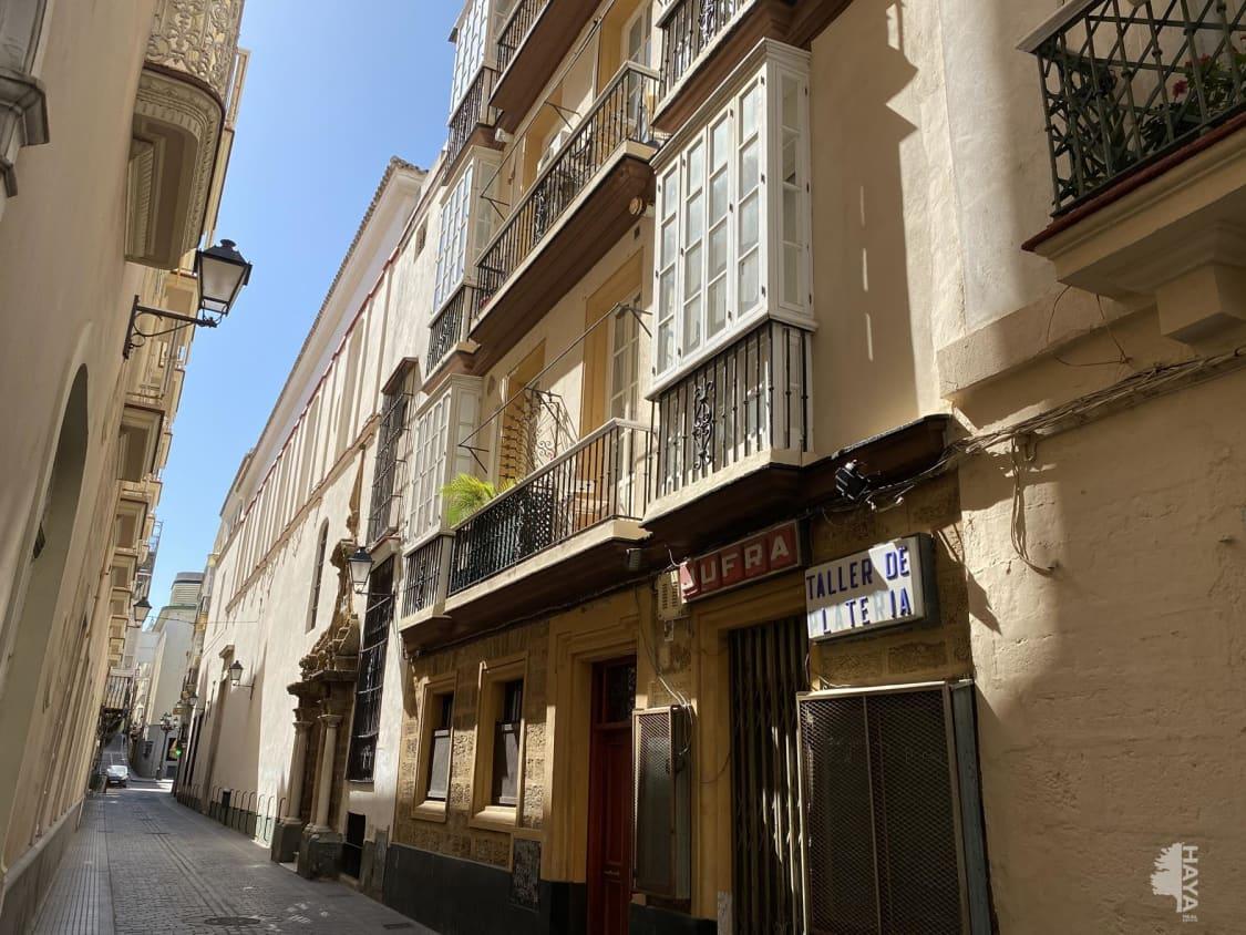 Piso en venta en Cádiz, Cádiz, Cádiz, Calle Montañes, 165.800 €, 6 habitaciones, 1 baño, 126 m2