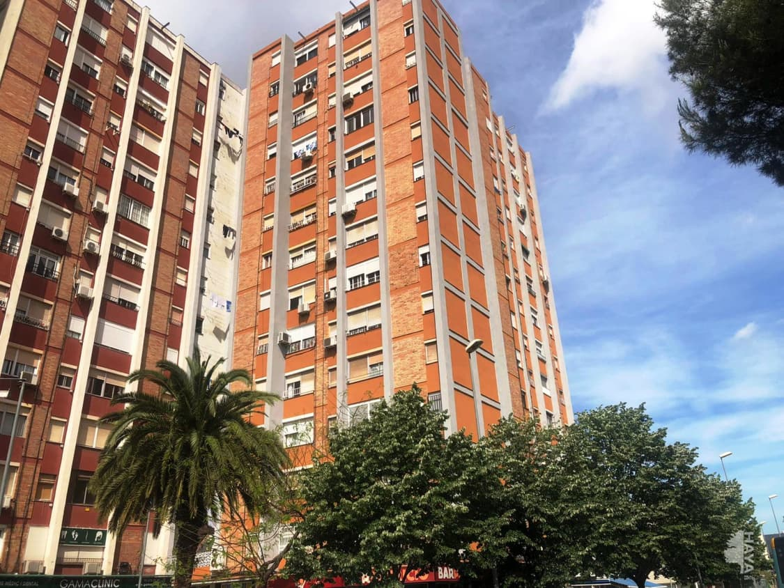 Piso en venta en Sant Ildefons, Cornellà de Llobregat, Barcelona, Avenida Sant Ildefons, 131.800 €, 2 habitaciones, 1 baño, 61 m2