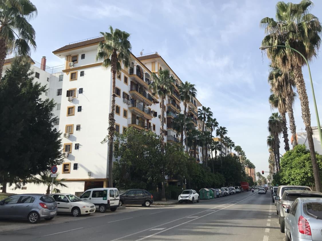 Piso en venta en Casco Antiguo, Sevilla, Sevilla, Calle 8 de Marzo, 98.051 €, 3 habitaciones, 1 baño, 85 m2