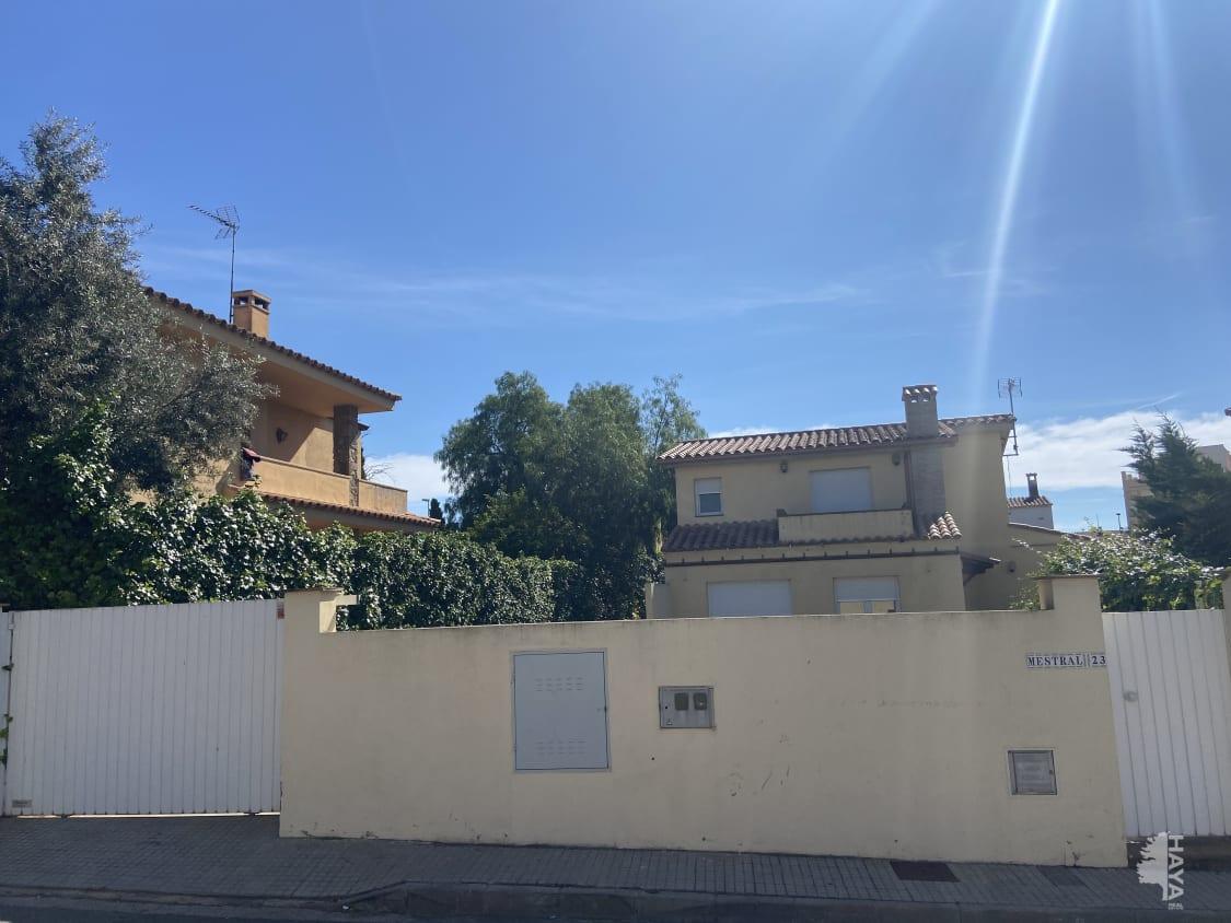 Casa en venta en L` Escala, Girona, Calle Mestral, 301.900 €, 4 habitaciones, 2 baños, 208 m2
