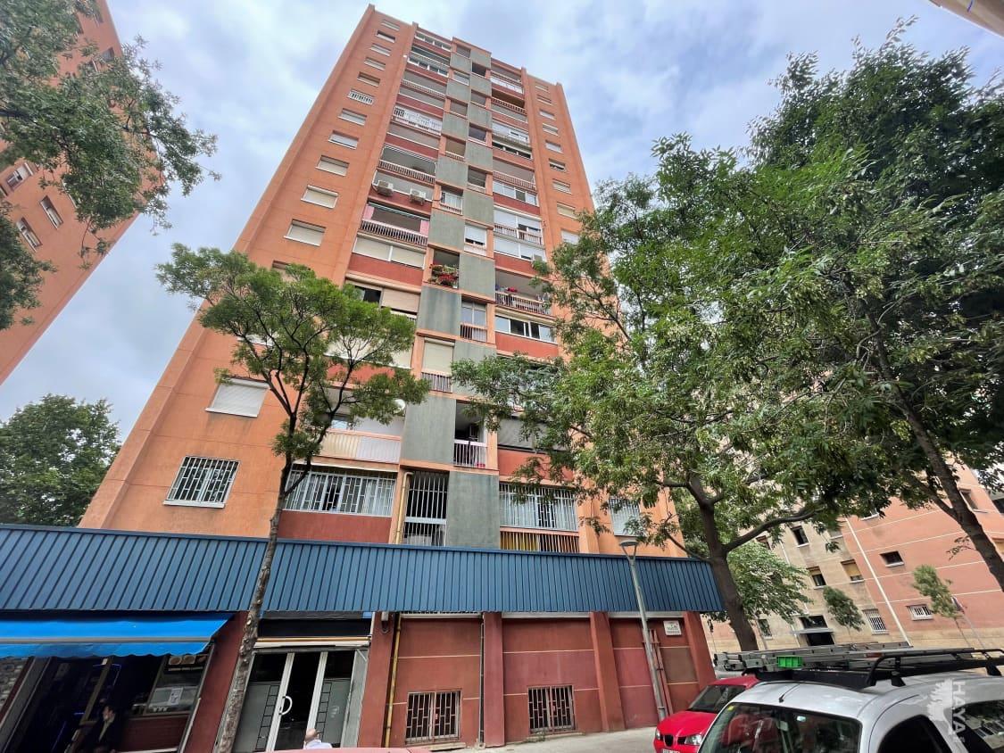 Piso en venta en Eixample, Barcelona, Barcelona, Calle Favencia 462, 184.700 €, 3 habitaciones, 1 baño, 70 m2