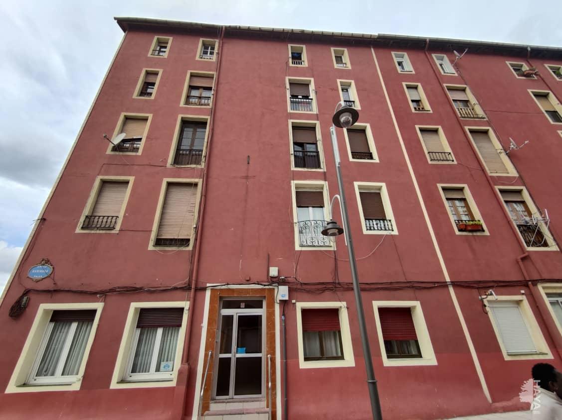Piso en venta en Bilbao, Vizcaya, Calle Barinaga, 100.000 €, 2 habitaciones, 1 baño, 55 m2