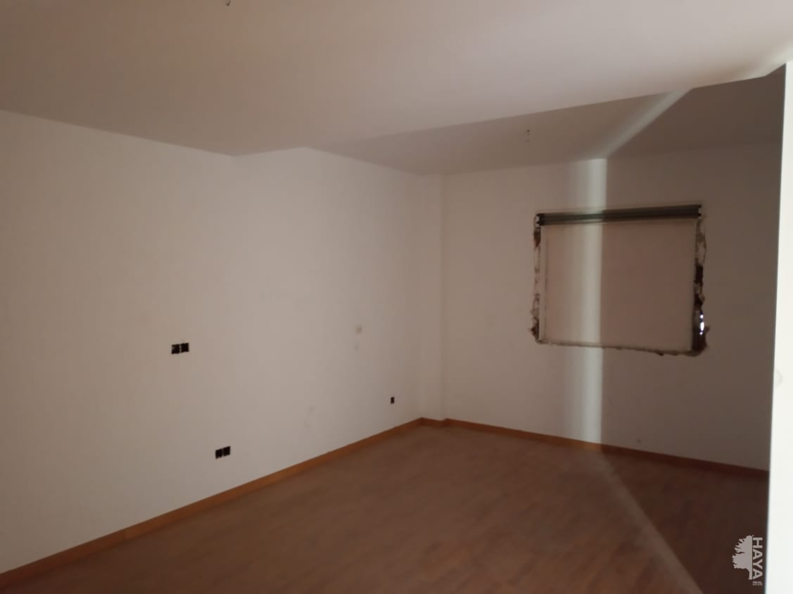 Piso en venta en Cijuela, Granada, Calle Clara Campoamor, 66.666 €, 3 habitaciones, 1 baño, 116 m2