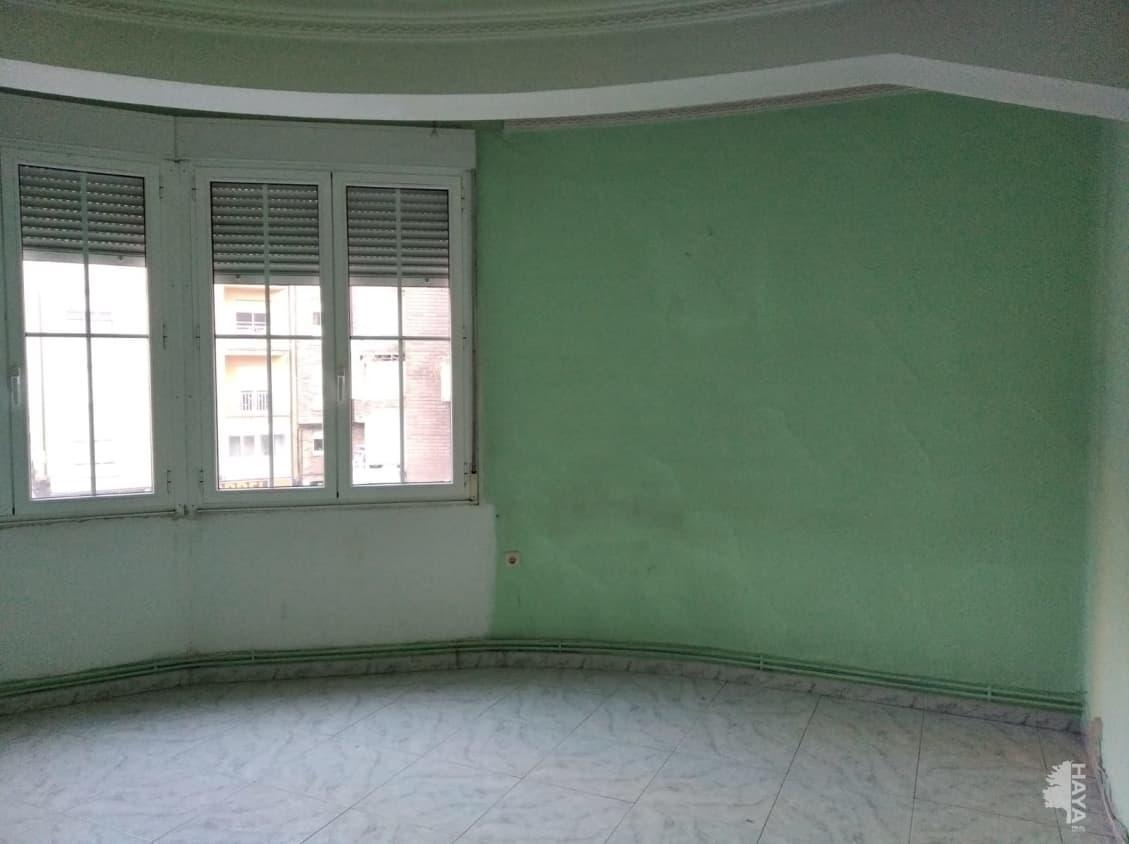 Piso en venta en Compostilla, Ponferrada, León, Calle Obispo Mérida, 59.325 €, 3 habitaciones, 1 baño, 98 m2