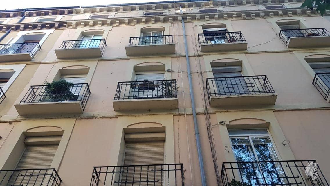 Piso en venta en Arrabal, Zaragoza, Zaragoza, Calle Sobrarbe, 71.900 €, 2 habitaciones, 1 baño, 65 m2