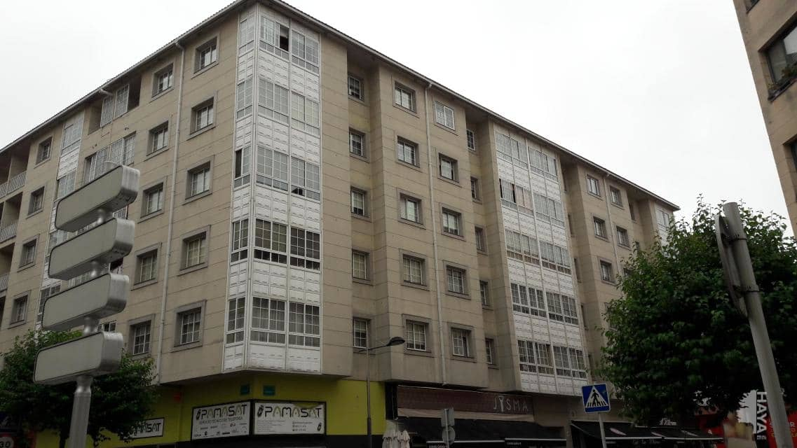Piso en venta en O Milladoiro, Ames, A Coruña, Calle Raxoeira, 103.200 €, 2 baños, 92 m2