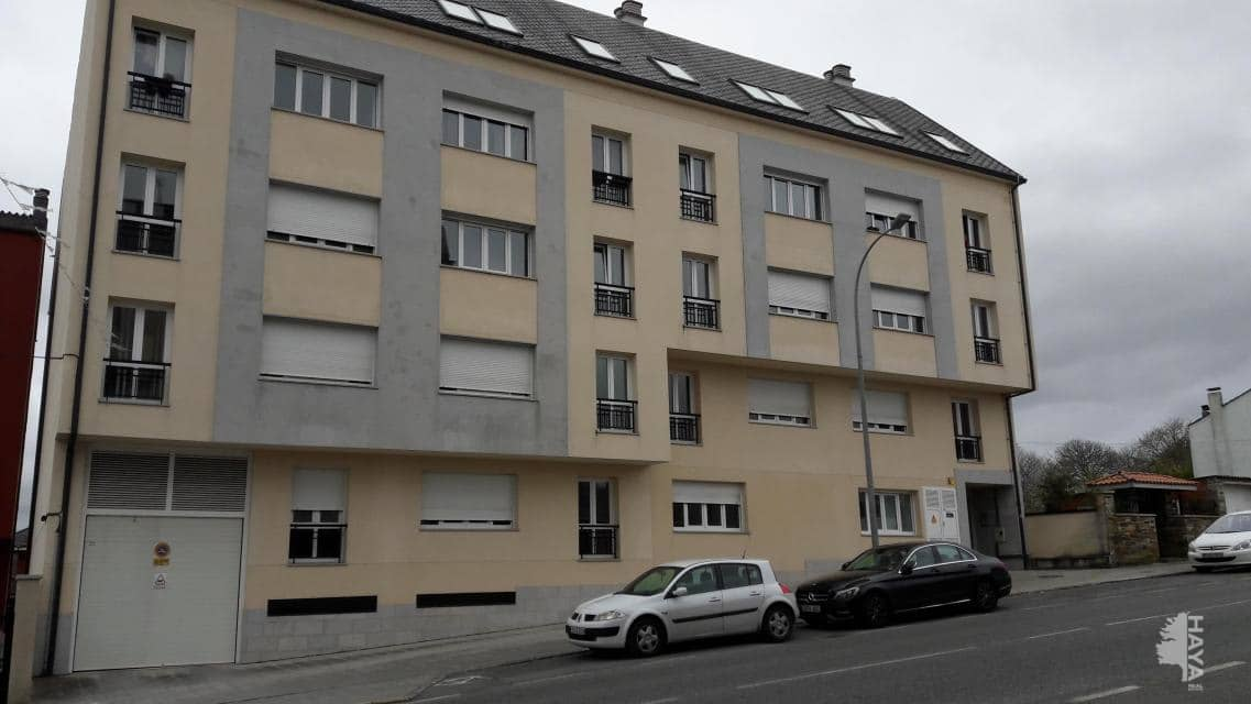 Piso en venta en Guntín, Vilalba, Lugo, Avenida Terra Chá, 52.500 €, 2 habitaciones, 2 baños, 92 m2
