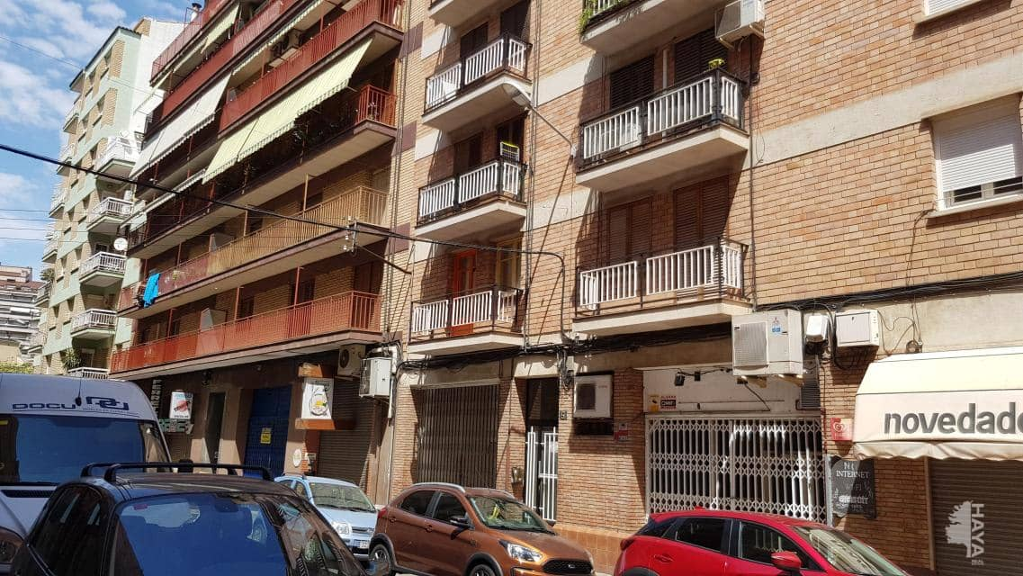 Piso en venta en Instituts - Templers, Lleida, Lleida, Calle Neptu, 70.800 €, 4 habitaciones, 1 baño, 110 m2