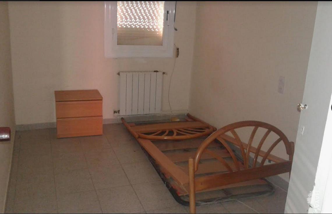 Piso en venta en Lleida, Lleida, Calle Ager, 37.500 €, 3 habitaciones, 1 baño, 85 m2